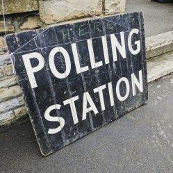 polling-station-2643466_1920.jpg